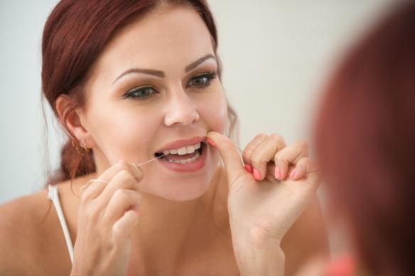 Flossing, Kawarthas Dentists, Best Periodontist in Lindsay, Oshawa Periodontists,